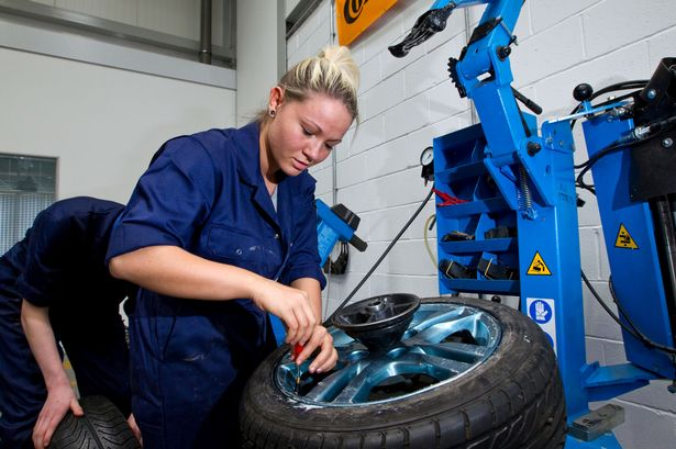 3 Things to Study Before Becoming an Automotive Technician