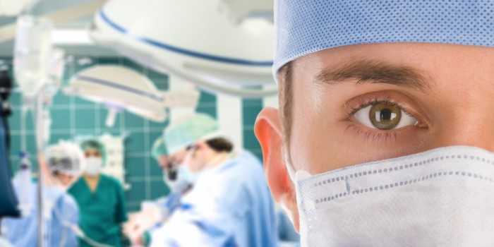 Factors That One Has To Consider When Searching For A Qualified and Refractive Eye Surgeon