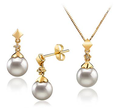 Why You Should Buy Japanese Akoya Pearls