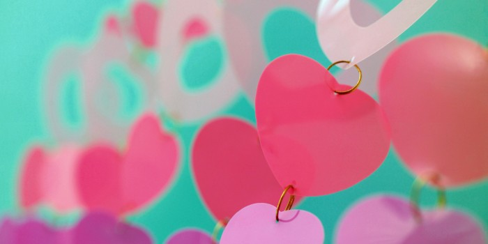 Sending Valentine Day Gifts? Send The Perfect Thing and Celebrate Your Love Once More