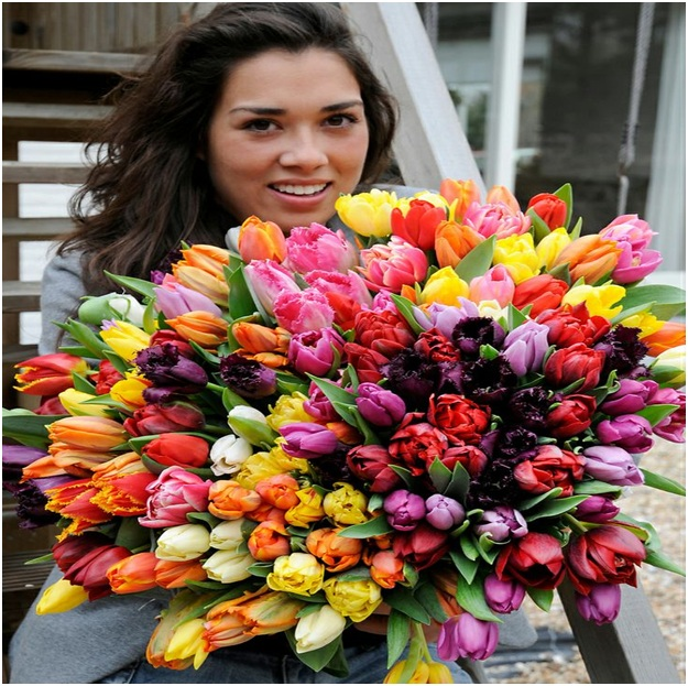 Surprise Your Loved One With High-Quality Floral Delivery
