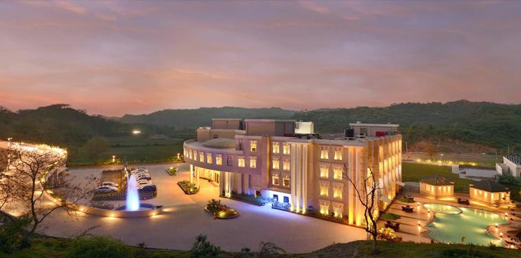Top 5 Family Hotels Near Morni Hills